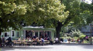 """Zürich, Bildtext: Restaurant """" B """" in der Bäckeranlage"""